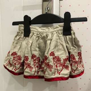 Girl's dress with embroidery design