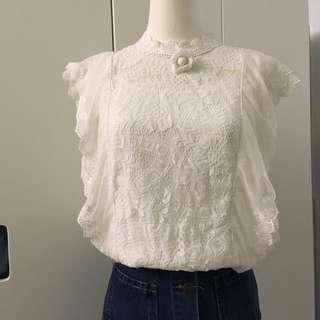 [近新] 法式優雅蕾絲無袖上衣(胸針可拆)