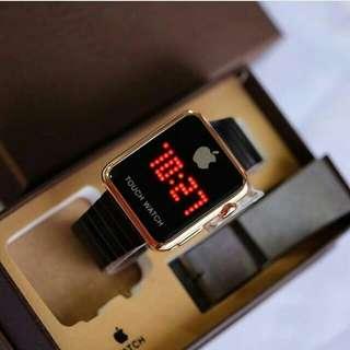 I PHN WATCH SCREEN,, TOUCHSCREEN ya,, Tapi ga bisa conect ke hp,, Hanya jam & Tanggal.. Box & Batrai Cadangan
