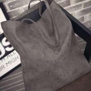 Nubuck Leather Shopper in Light Gray