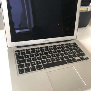 MacBook Air 13' i7/8GB/512GB
