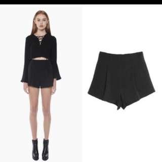 YOUNGHUNGRYFREE Basic Highwaisted Shorts