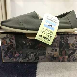 Toms Slip-on Shoes #Contiki2018