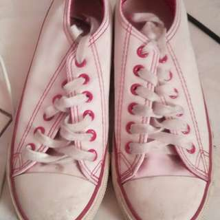 preloved white rubbershoes