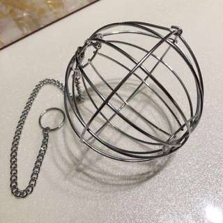Hay ball feeder for small animals