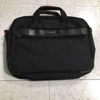FREE Laptop Notebook Bag