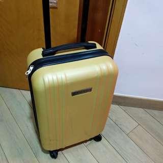 行李喼20吋(细喼)