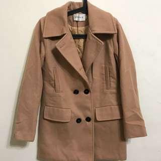 奶茶色 短版大衣