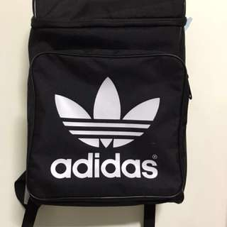 下殺Adidas 專賣店正品 三葉草後背包 二手 9成五新