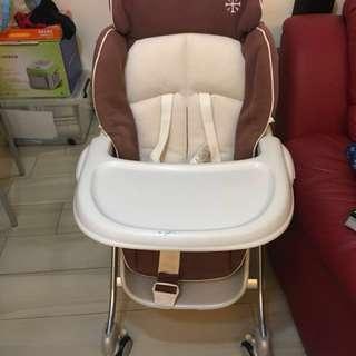 Combi high chair (另送一套全新坐墊)