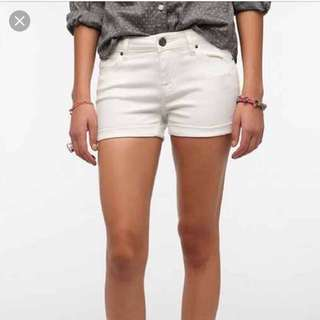 BDG Urban Outfitters Alexa Mid-Rise White Shorts Sz27