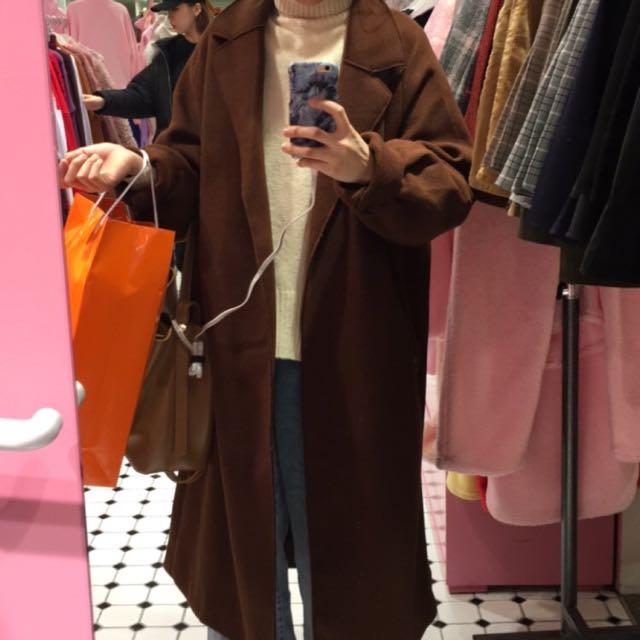 咖啡色大衣