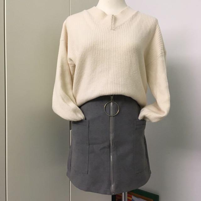 [近新] 灰色暖暖前拉鍊造型褲裙