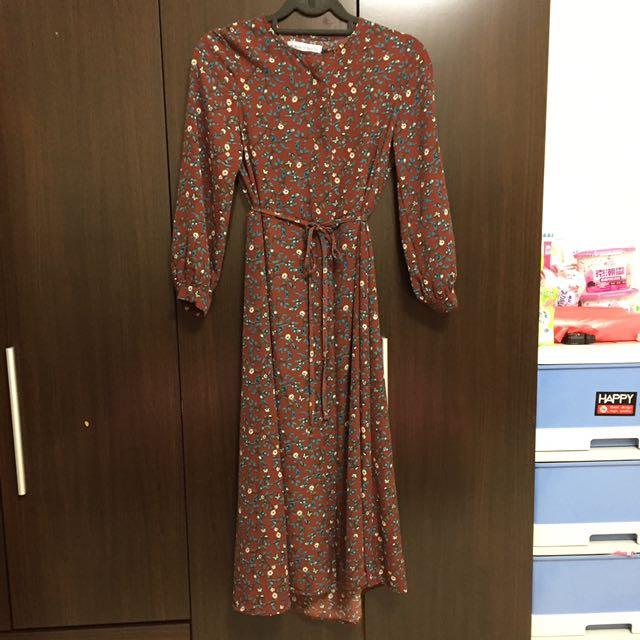韓國品牌 中國代工 碎花酒紅綁帶洋裝