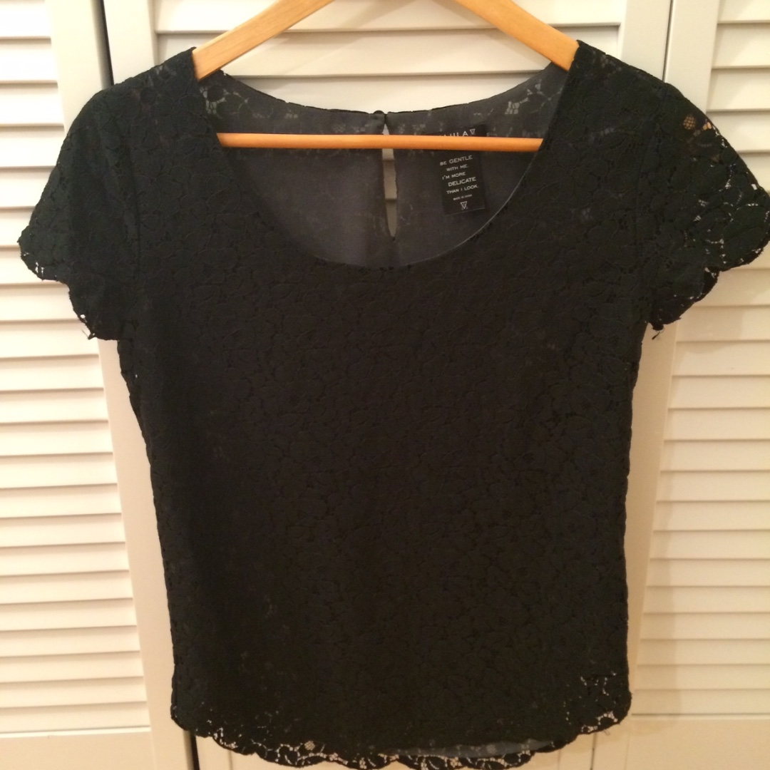 Authentic ARITZIA Talula Lace Black/Grey Top - RETAIL: $65+tax