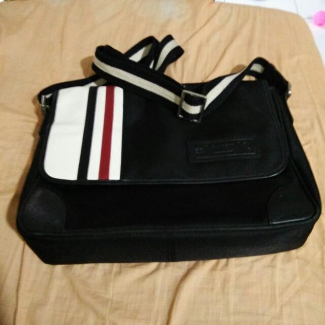Bally messenger bag canvas
