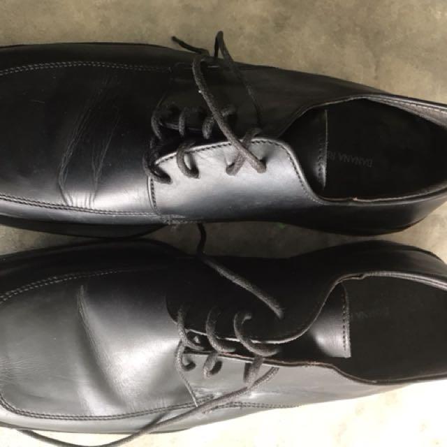 Banana Republic Black Shoes