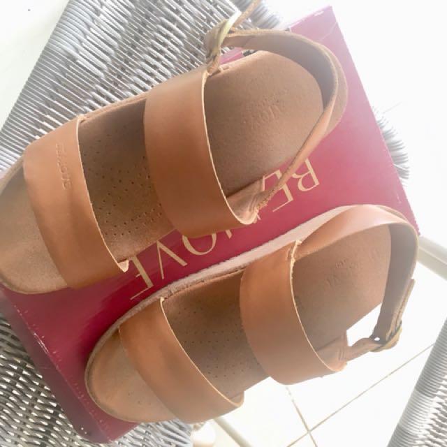 Beajove sepatu sandal