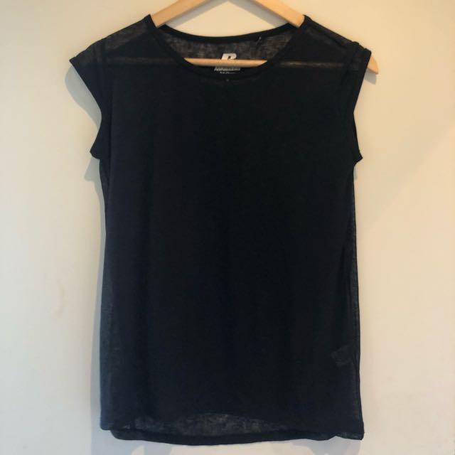 Black mesh gym t-shirt