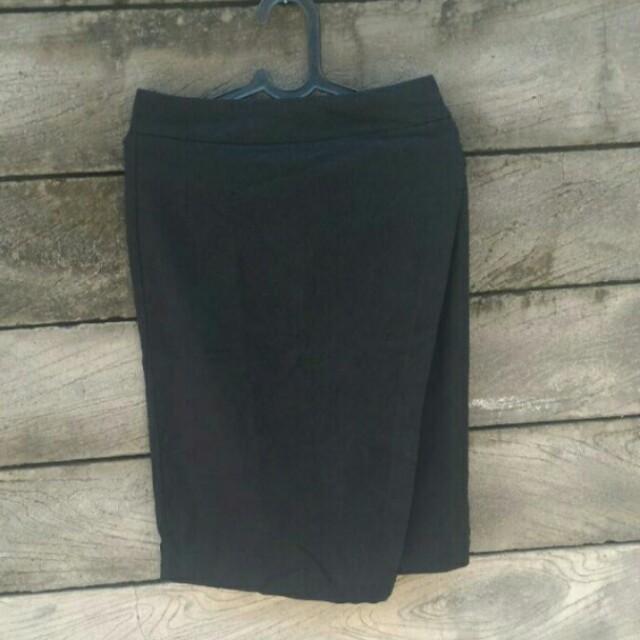 Black Skirt Uptown Girl