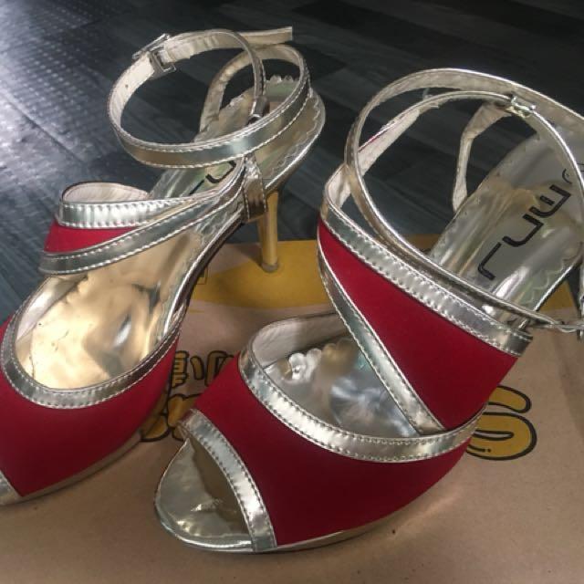 Brandnew sandal