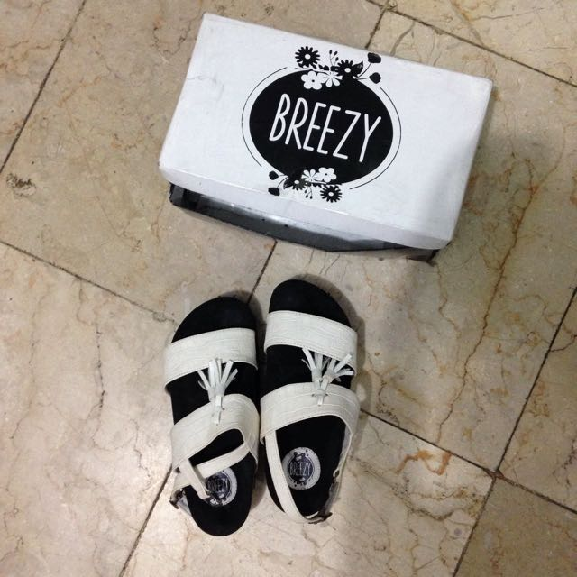 Breezy White Shoes