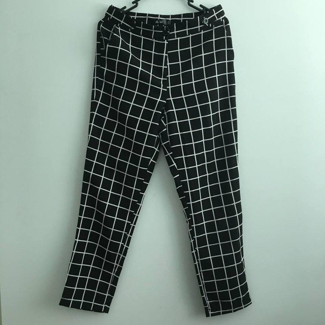 Chicabooti grid pants (Size 10)