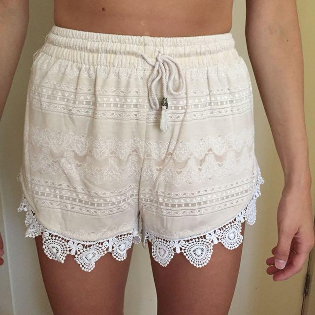 Comfy lace shorts