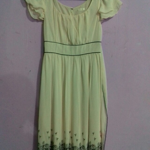 Dress cantik krem