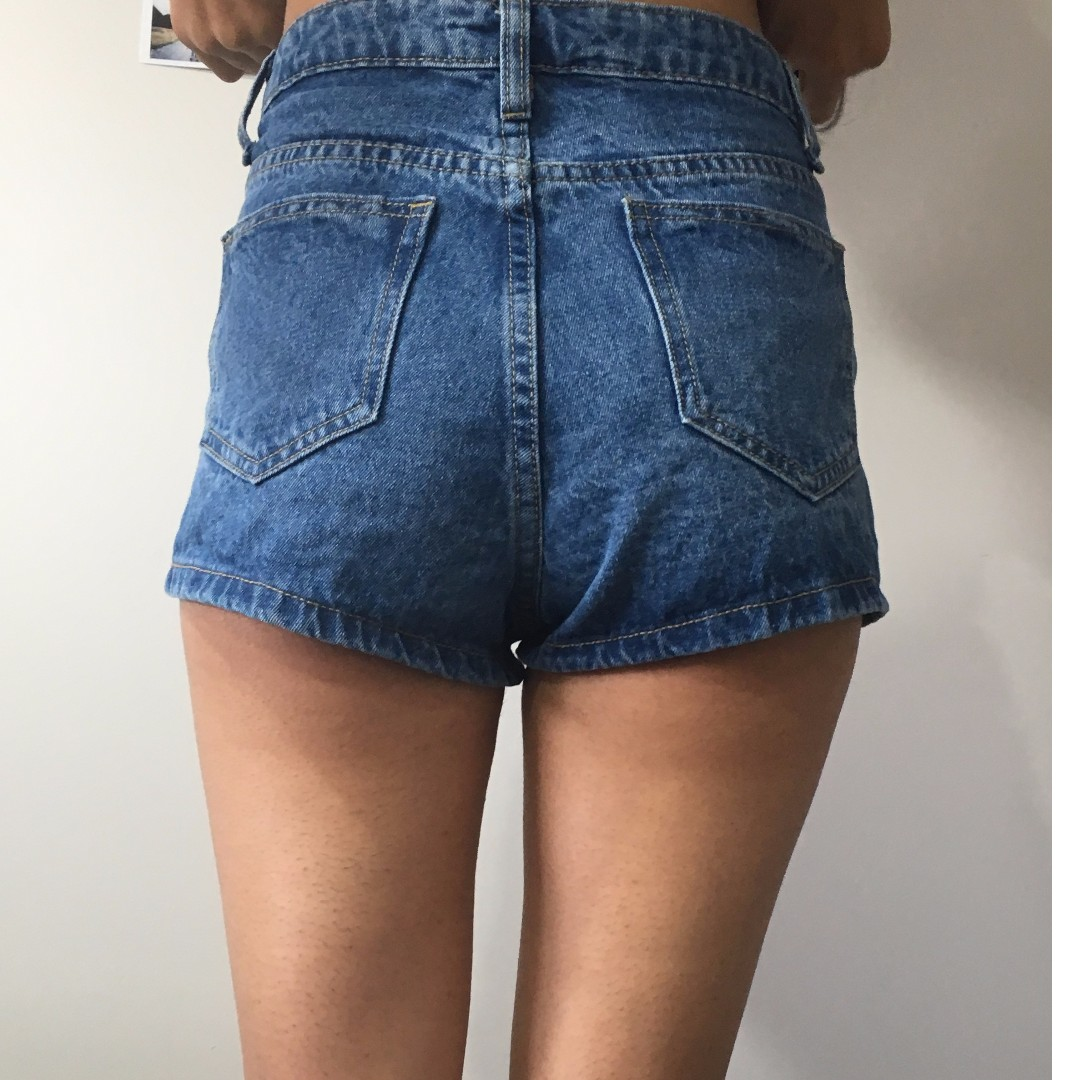 embroidered denim shorts - size 6/8