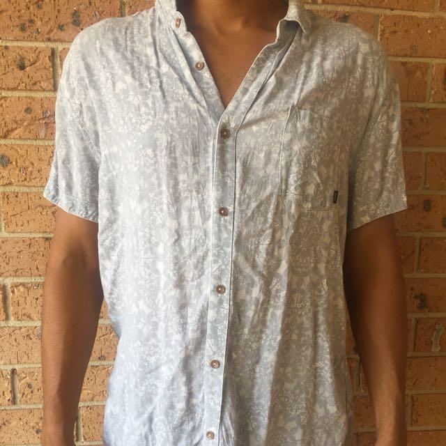Floral arvust shirt