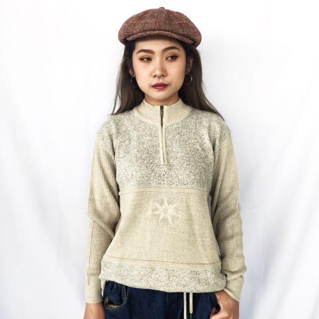🌴歐洲gollehaug米色中高領針織毛衣 拼接刺繡 套頭式針織外套 女款Vintage 歐美古著