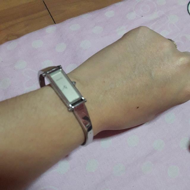 dGucci watch authentic