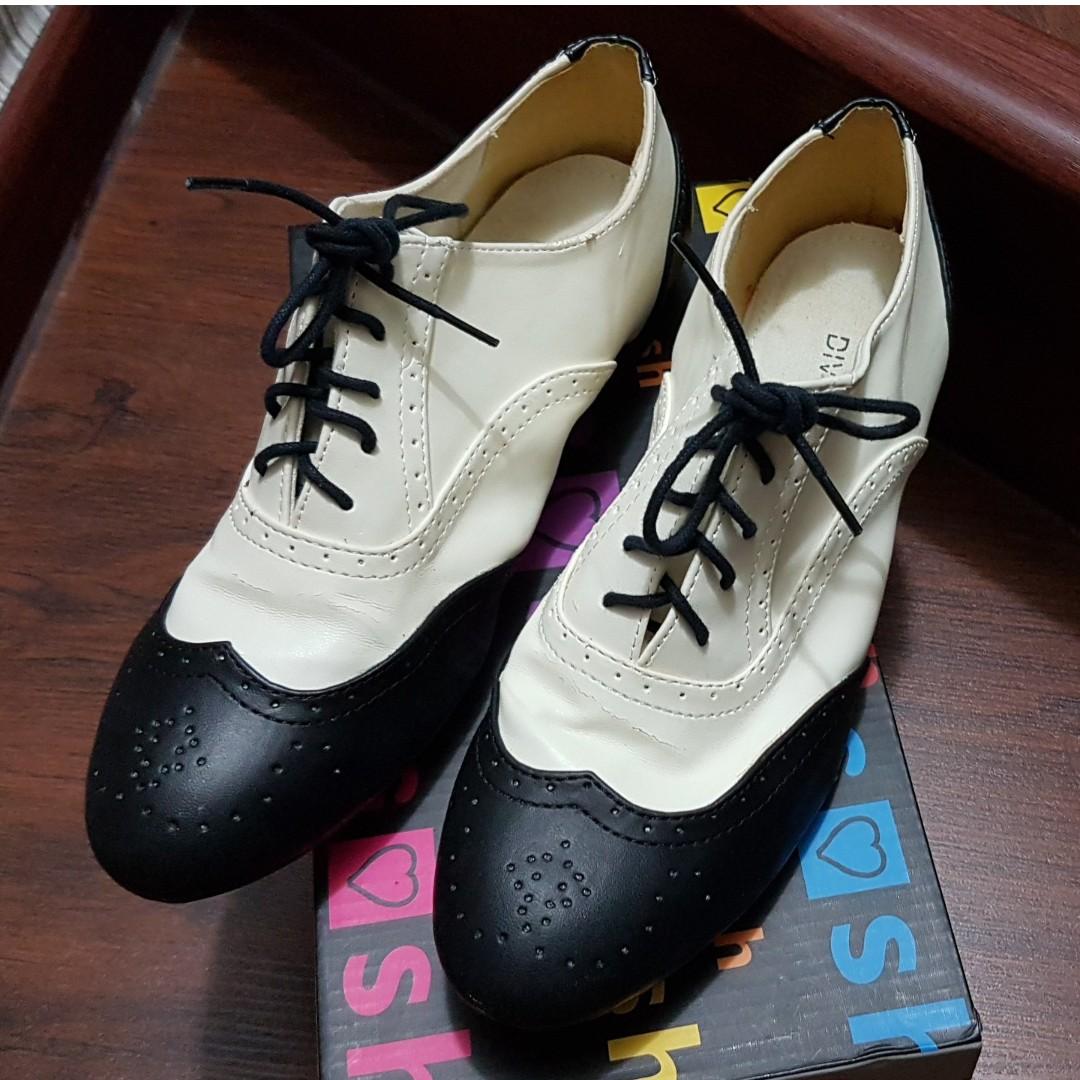 H&M Black & White Pantofel