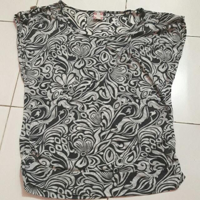 kaos cammomile batik