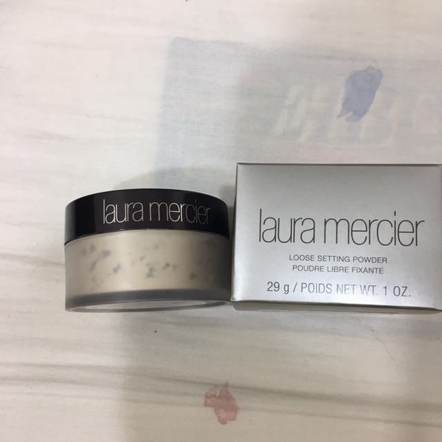 Laura Mercier 柔光透明蜜粉