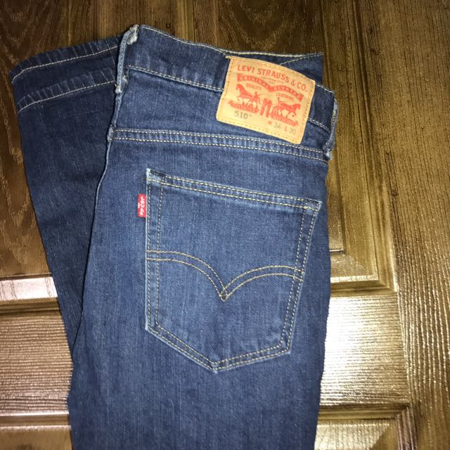 LEVIS Medium/ Dark Wash Jeans