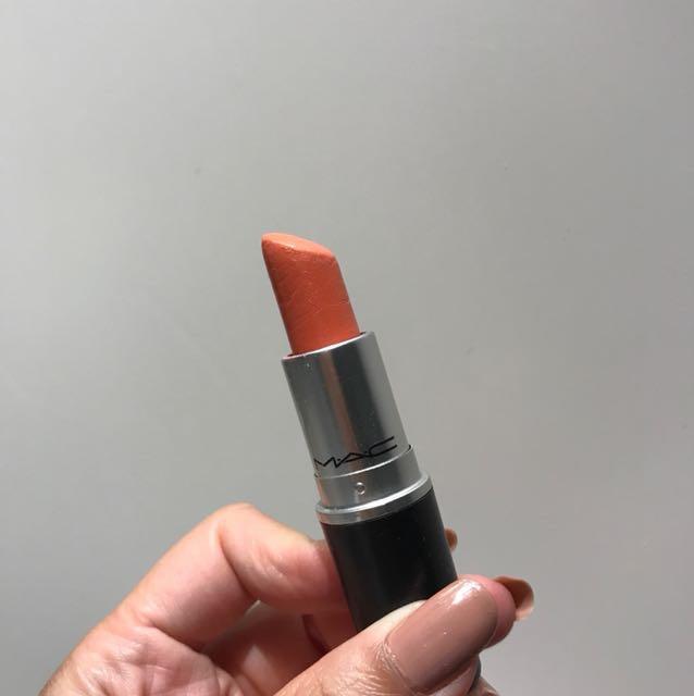 MAC lipstick - shade Razzle Dazzler - finish Lustre