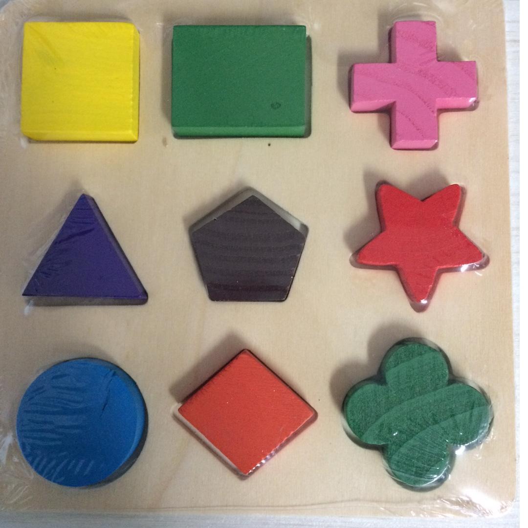Mainan puzzle balok kayu