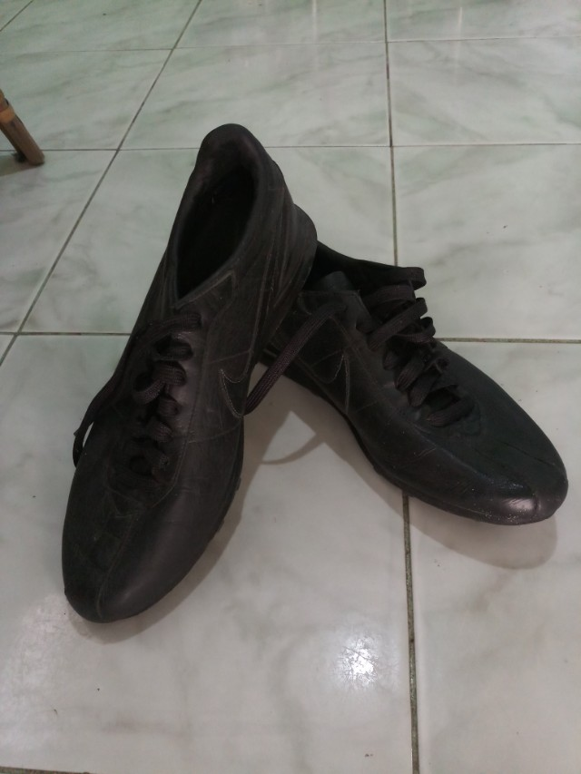 brand new 759b9 797df Mens Nike Air Match black leather, Men s Fashion, Footwear on Carousell