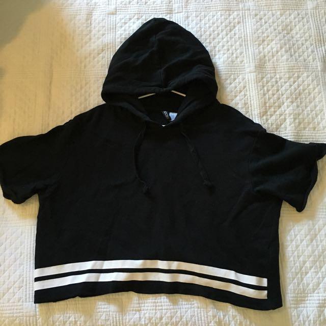 Oversized crop hoodie