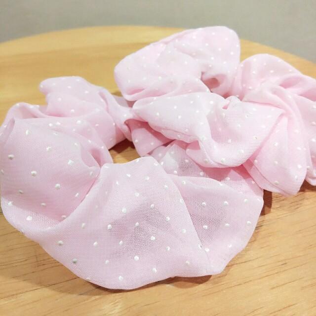 🆕 Pink scrunchies x2