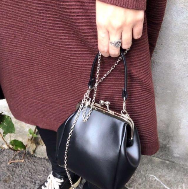 『造型款復古扣頭手提鏈條PU皮革小包』