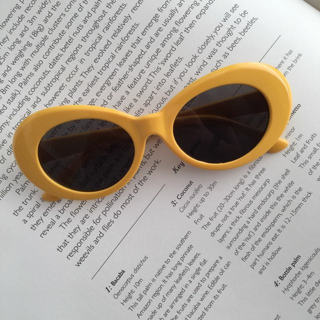 479226cea2750 Readystock Yellow Clout Goggles