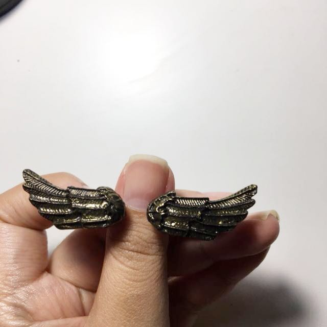 Rustic gold wings ring