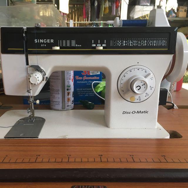 Singer Disc-o-matic sewing machine