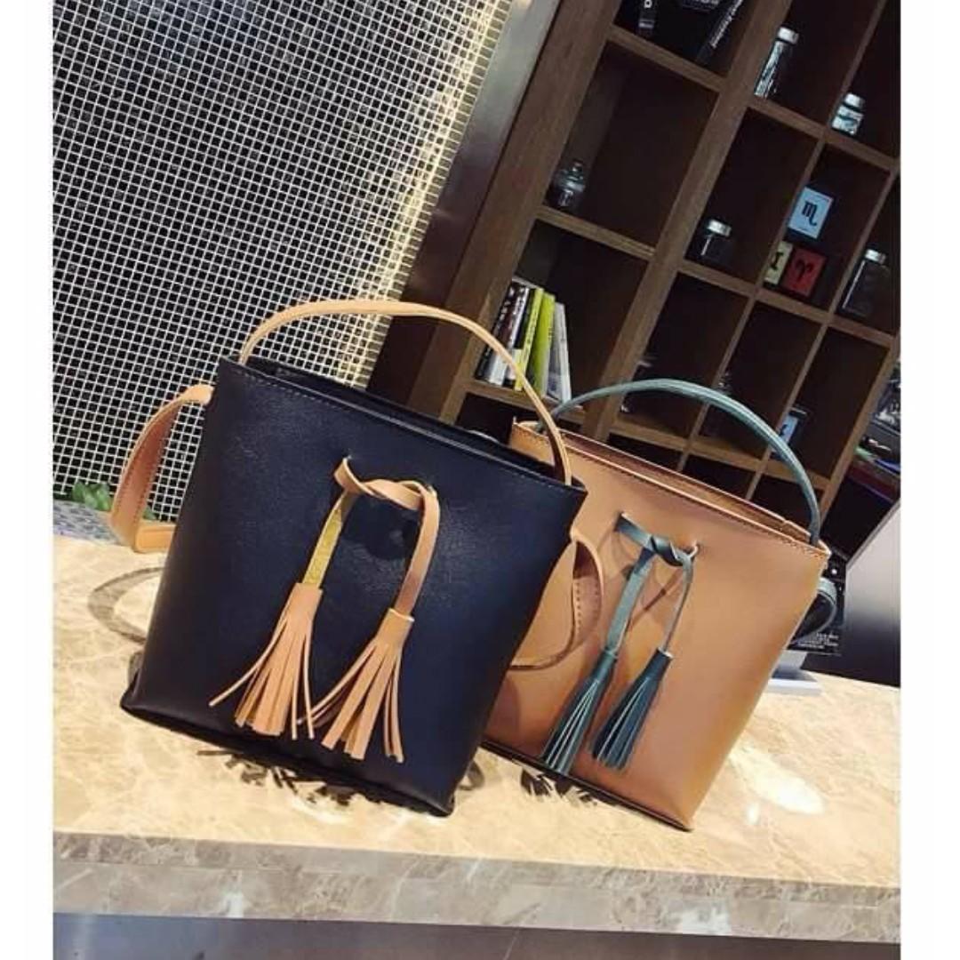 Small Bucket Shoulder Bag With Tassel