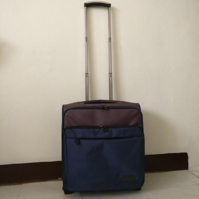 Small Usana Luggage Travel Bag with wheels