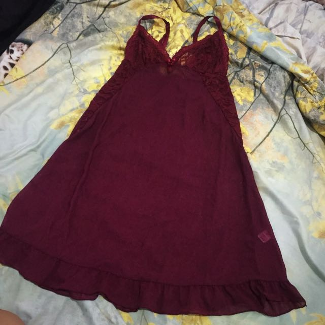 St. Yves lace Lingerie maroon