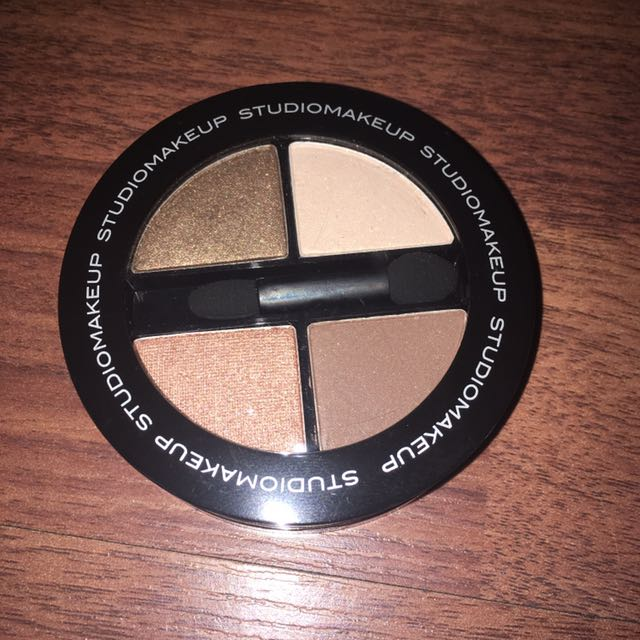 Studio makeup eyeshadow